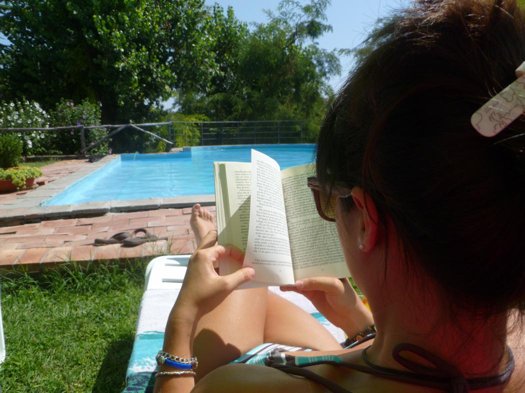 Agriturismo Lupinaio tuin en zwembad Toscaanse kust Casamia vakantie onder de italiaanse zon-02
