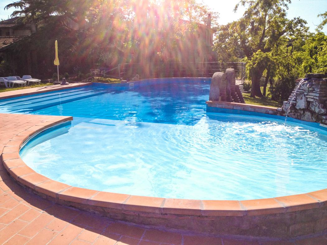 Agriturismo Lupinaio tuin en zwembad Toscaanse kust Casamia vakantie onder de italiaanse zon-03