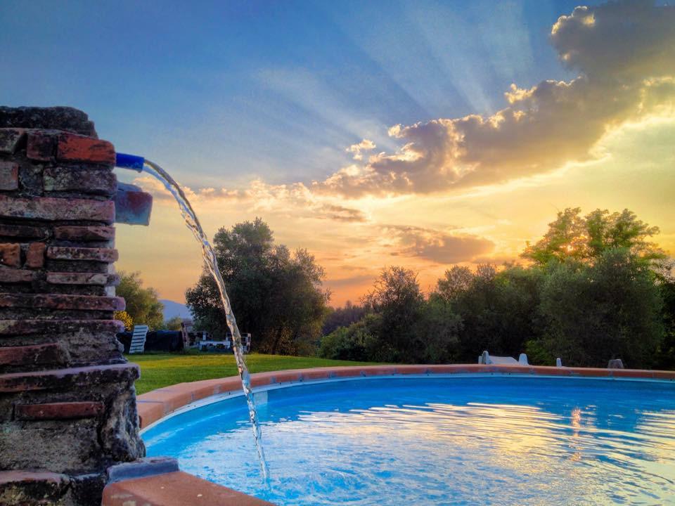 Agriturismo Lupinaio tuin en zwembad Toscaanse kust Casamia vakantie onder de italiaanse zon-05
