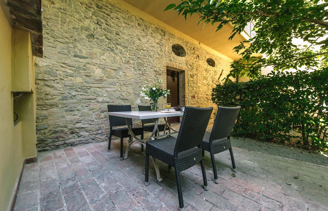 Tenuta Quarrata Bilocale app 9 beg grond Noord Toscane Italie Casamia vakantie onder de italiaanse zon-03