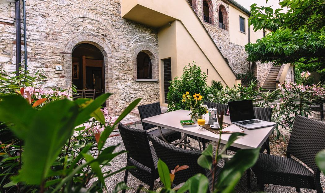 Tenuta Quarrata Trilocale app 5 en 6 beg grond Noord Toscane Italie Casamia vakantie onder de italiaanse zon-12